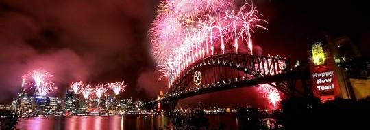 Nouvel-An-à-Sydney-les-feux-dattifices-sur-le-port-à-minuit-le-31-décembre-