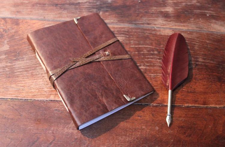 carnets-grand-carnet-de-voyage-en-vrai-cuir-10529311-img-3090-86957-a226a_big